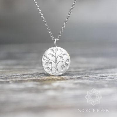 livets-trae-halskaede-soelv-tree-og-life-necklace-silver-nicole-piper